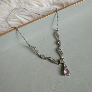 Jewelry - Dainty necklace